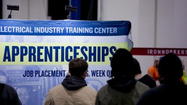 economic-report:-us-adds-164,000-new-jobs-in-july-to-keep-unemployment-near-50-year-low-of-3.7%