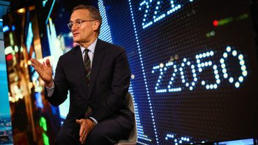key-words:-the-stock-market-will-'breathe-a-sigh-of-relief'-if-president-trump-is-re-elected-in-2020,-says-billionaire-howard-marks