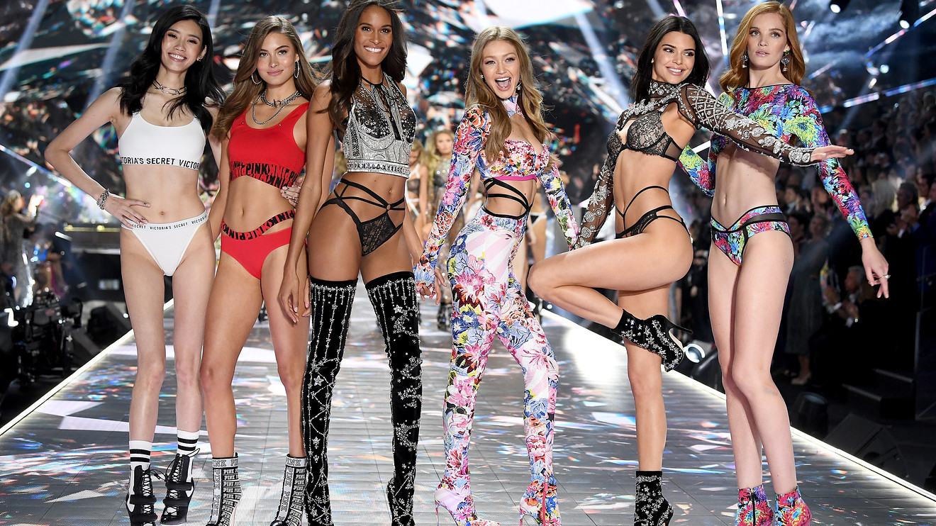 the-ratings-game:-l-brands-would-still-face-challenges-if-it-sold-off-victoria's-secret,-analysts-say