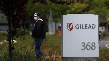 gilead-expects-to-spend-up-to-$1-billion-on-coronavirus-drug-this-year,-will-donate-1.5-million-vials