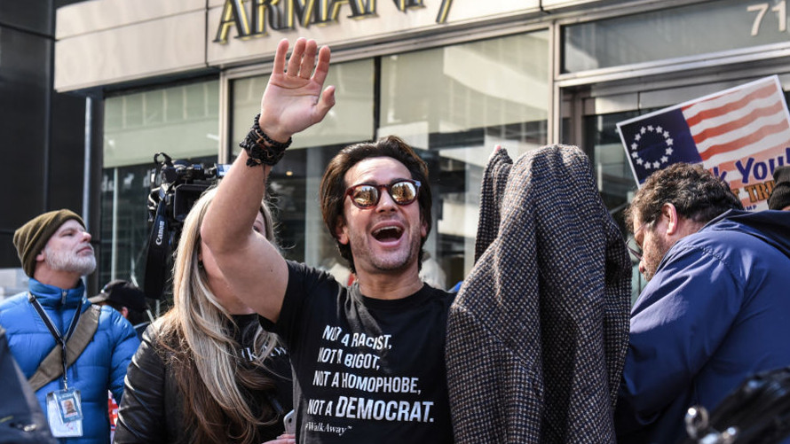the-margin:-'former-liberal'-kicked-off-flight,-banned-for-refusing-to-wear-mask-—-a-new-york-times-reporter-recorded-the-incident