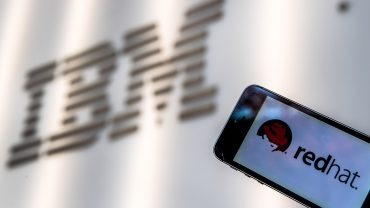 the-ratings-game:-ibm-stock-gains-after-earnings-beat-but-the-'really-important-stuff'-could-be-doing-better,-analyst-says