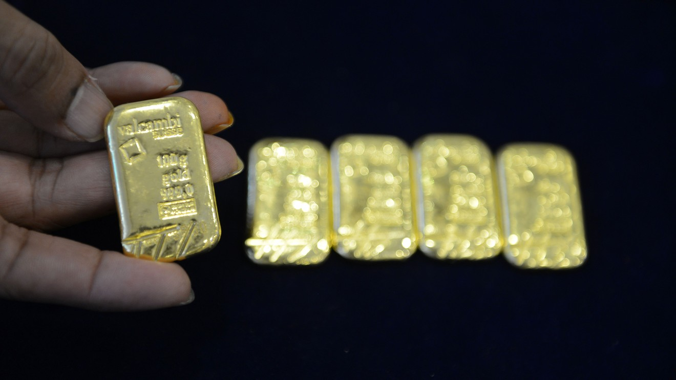metals-stocks:-gold-prices-drop-nearly-3%-as-rise-in-coronavirus-cases-sparks-dollar-rally