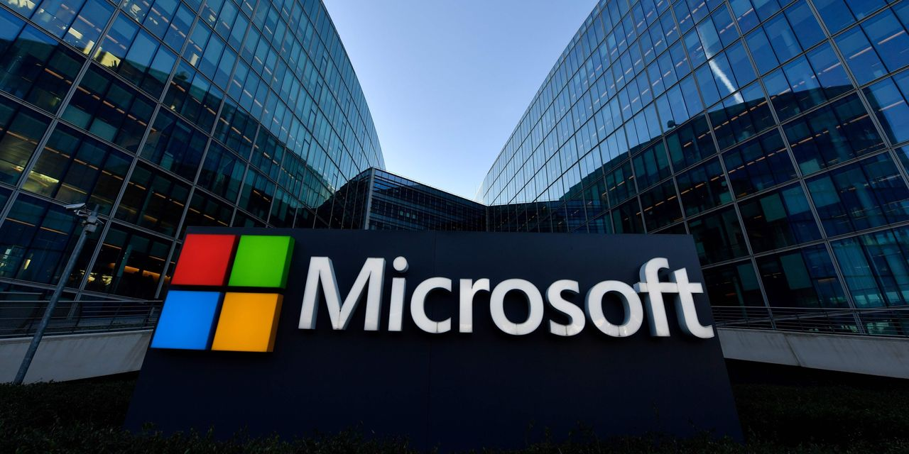 :-microsoft-earnings-easily-top-expectations,-but-forecast-for-xbox's-debut-quarter-dings-stock