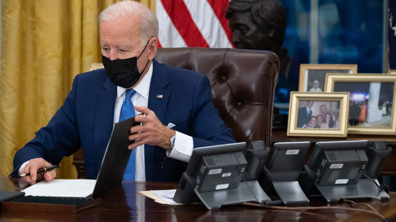 capitol-report:-biden-says-he's-'eliminating-bad-policy'-while-signing-executive-orders-on-immigration