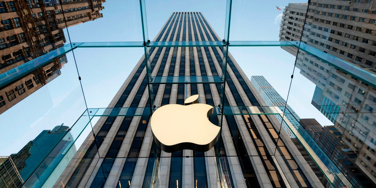 :-all-apple-retail-stores-in-us.-open-for-first-time-in-almost-a-year;-stock-jumps