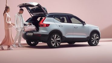 autotrader:-review:-volvo's-xc40-recharge-impresses-for-space,-safety-and-value