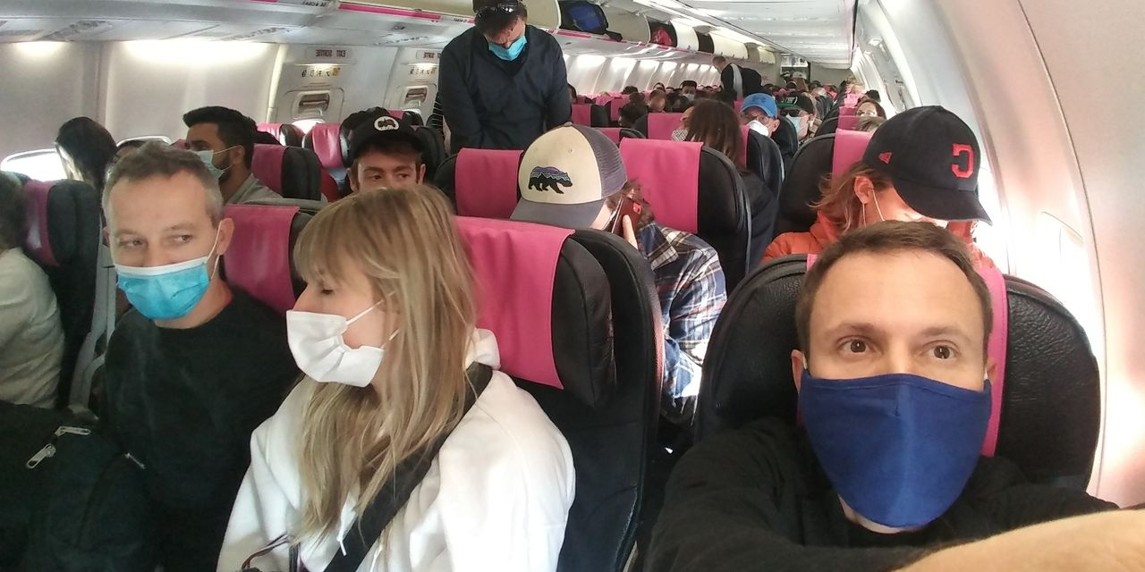 :-more-airlines-fill-middle-seats-—-in-direct-opposition-to-cdc's-own-advice-on-reducing-covid-19-exposure