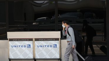 earnings-results:-united-airlines-lost-more-than-$1.3-billion-to-start-the-year,-and-the-stock-is-falling