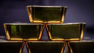 metals-stocks:-gold-edges-higher-after-fed-strikes-dovish-tone