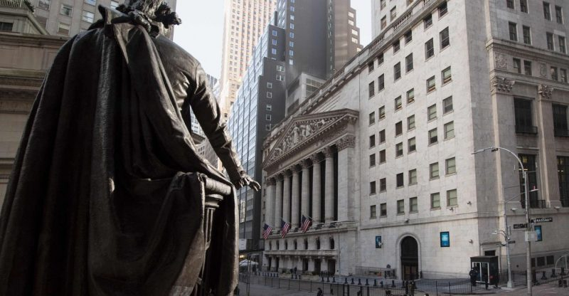 market-snapshot:-dow-edges-lower-as-investors-look-for-inflation-clues