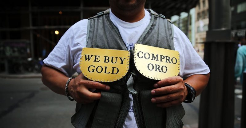 metals-stocks:-gold-pulls-back-after-tapping-highs-above-$1,900-and-may-see-first-loss-in-3-sessions