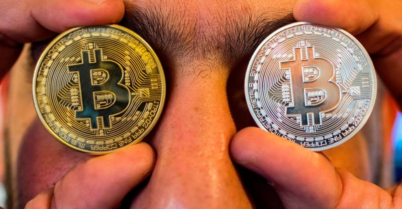 crypto:-bitcoin-skids-to-2-week-low-but-technical-analyst-says-slump-not-a-'decisive-breakdown'-until-crypto-does-this