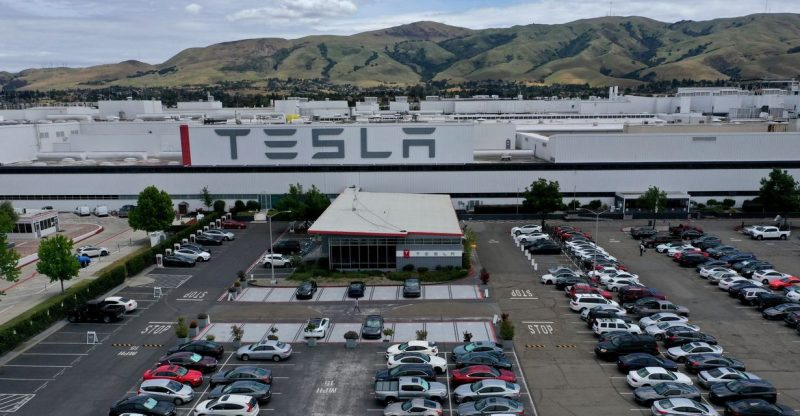 :-tesla's-elon-musk-reportedly-urges-'super-hardcore'-push-for-deliveries-amid-supply-chain-problems