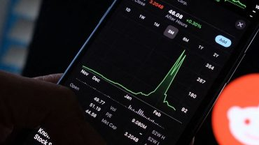 mememoney:-meme-traders-see-red-as-heavily-shorted-stocks-grow-scarcer-and-old-names-fall