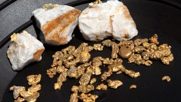 commodities-corner:-why-gold's-'strong-undercurrent'-has-some-analysts-eyeing-$2,000-an-ounce