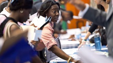 economic-report:-jobless-claims-climb-8,000-to-215,000-at-end-of-july,-but-layoffs-still-extremely-low