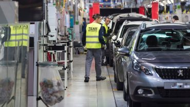 europe-markets:-fiat-surges-and-peugeot-plunges-on-plan-to-merge