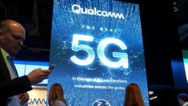 earnings-outlook:-qualcomm-earnings:-looking-for-clues-on-5g-smartphone-expectations
