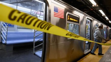 citywatch:-new-york-city's-subways-to-close-nightly-for-cleaning-and-disinfecting