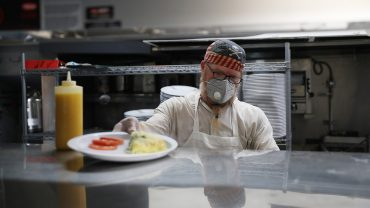 workers-have-lost-out-on-nearly-$9,000-in-income-due-to-coronavirus-lockdown-(so-far)