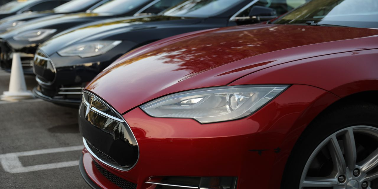 :-tesla-has-lost-a-quarter-trillion-in-market-cap-in-the-past-month-as-stock-dives