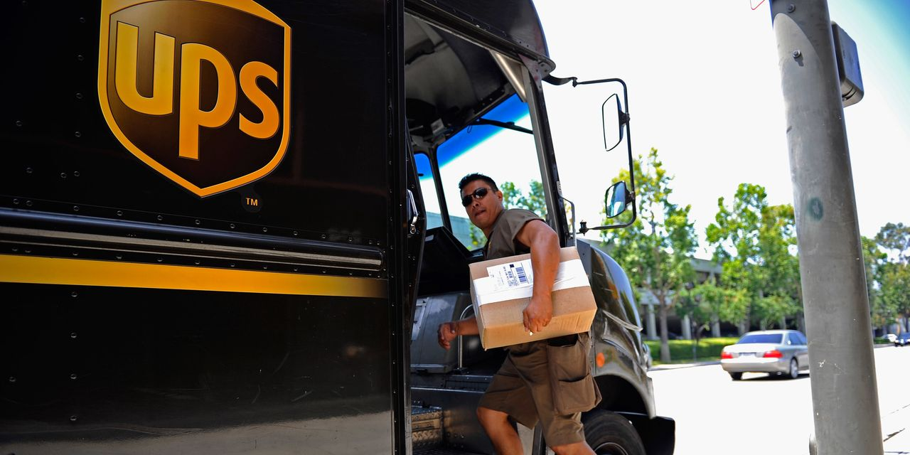 :-ups-stock-dives-as-earnings-beat,-but-us.-domestic-revenue,-outlook-come-up-short