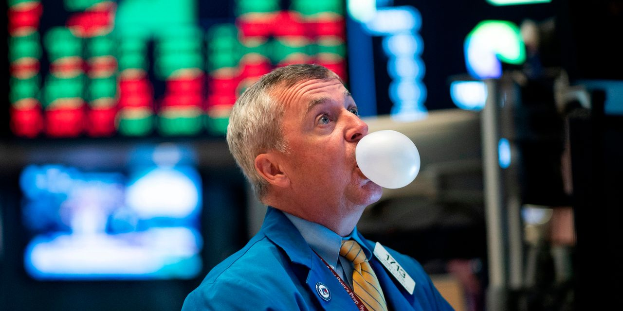 vitaliy-katsenelson's-contrarian-edge:-not-every-stock-is-in-a-bubble.-here's-how-to-find-today's-bargains-and-tomorrow's-winners