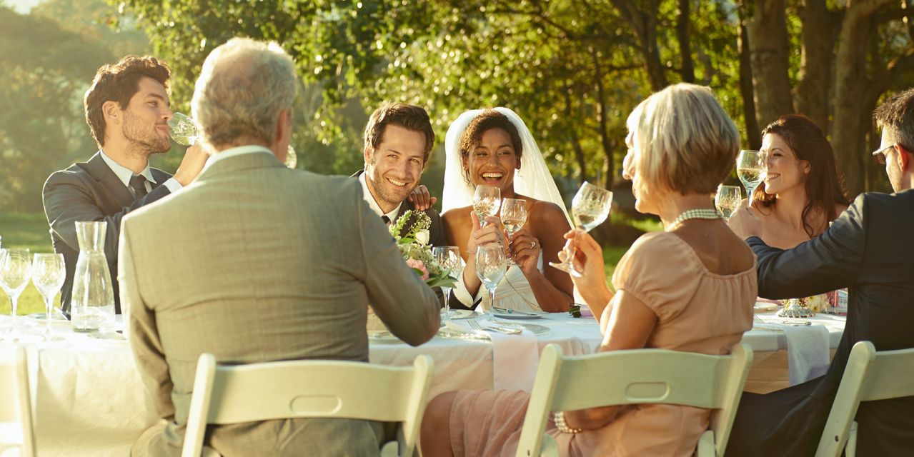 retirement-weekly:-do-spouses-have-special-rules-when-it-comes-to-inheriting-an-ira?